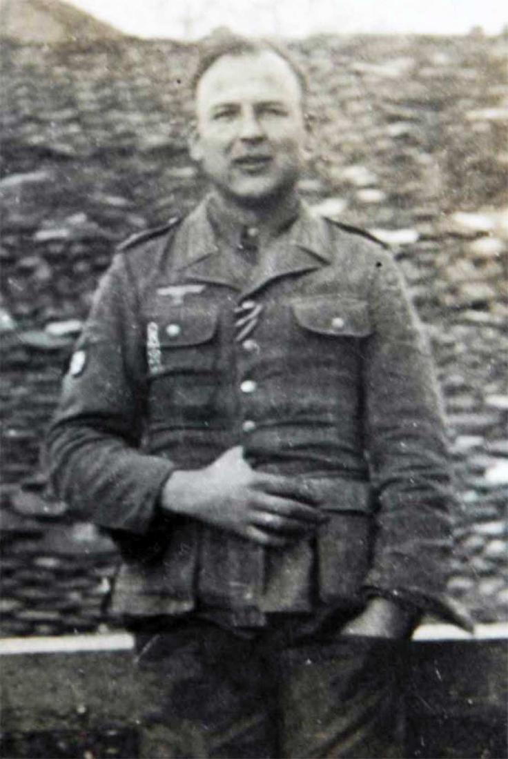 Photo of German volunteer soldier from ROA, 1945