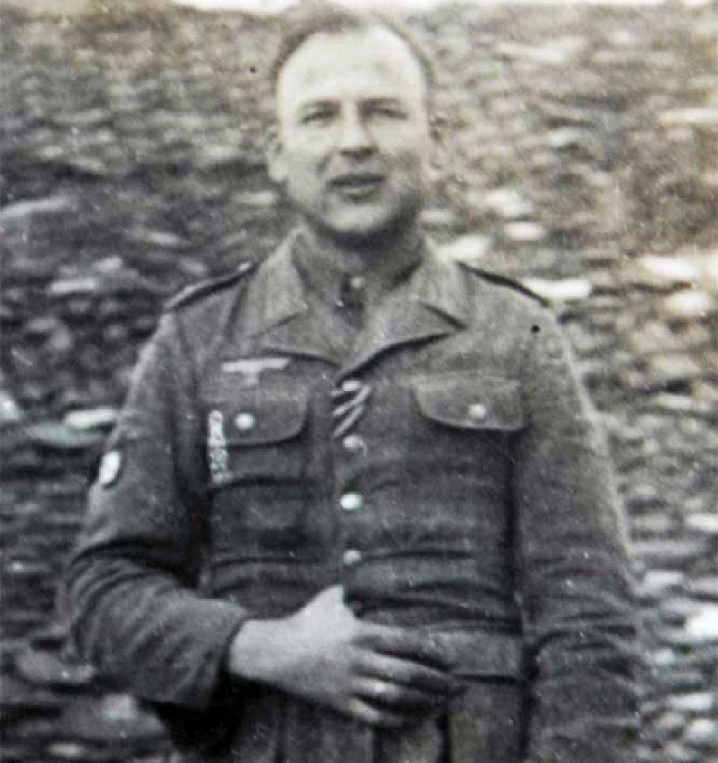 Photo of German volunteer soldier from ROA, 1945 - 4