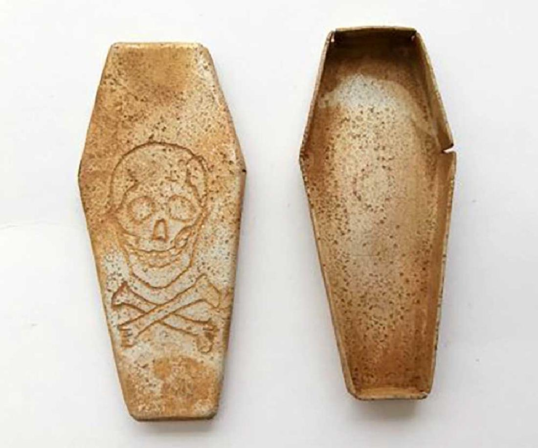 German WW2 Dog Tag made as Coffin Funerary Box