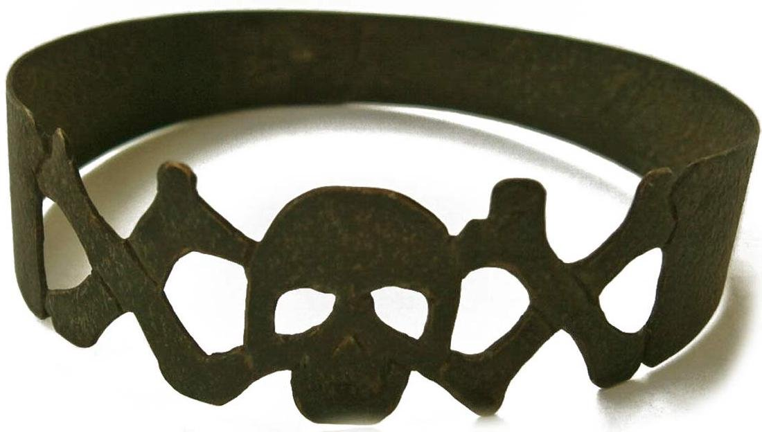 Original German WW2 Bracelet w. SKULL & Double BONEs
