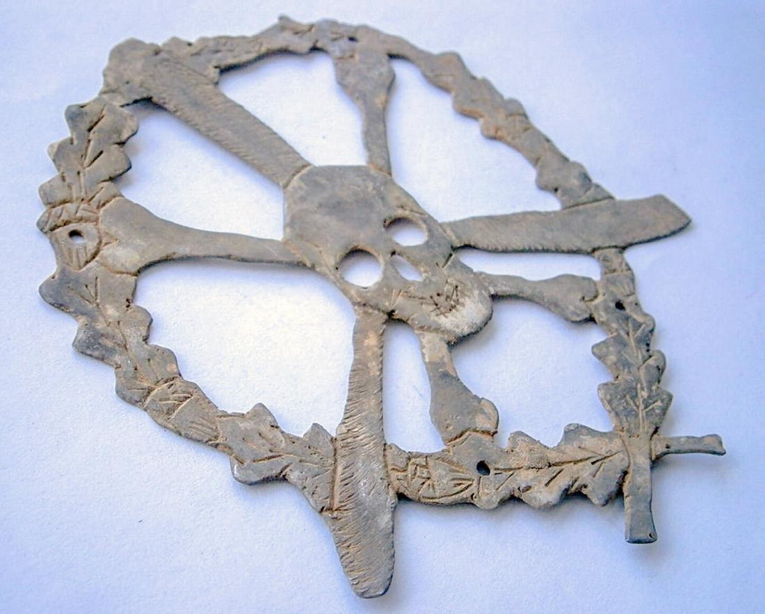 German WW2 Skull & Bones f. Helmet M35 or M42 - 2