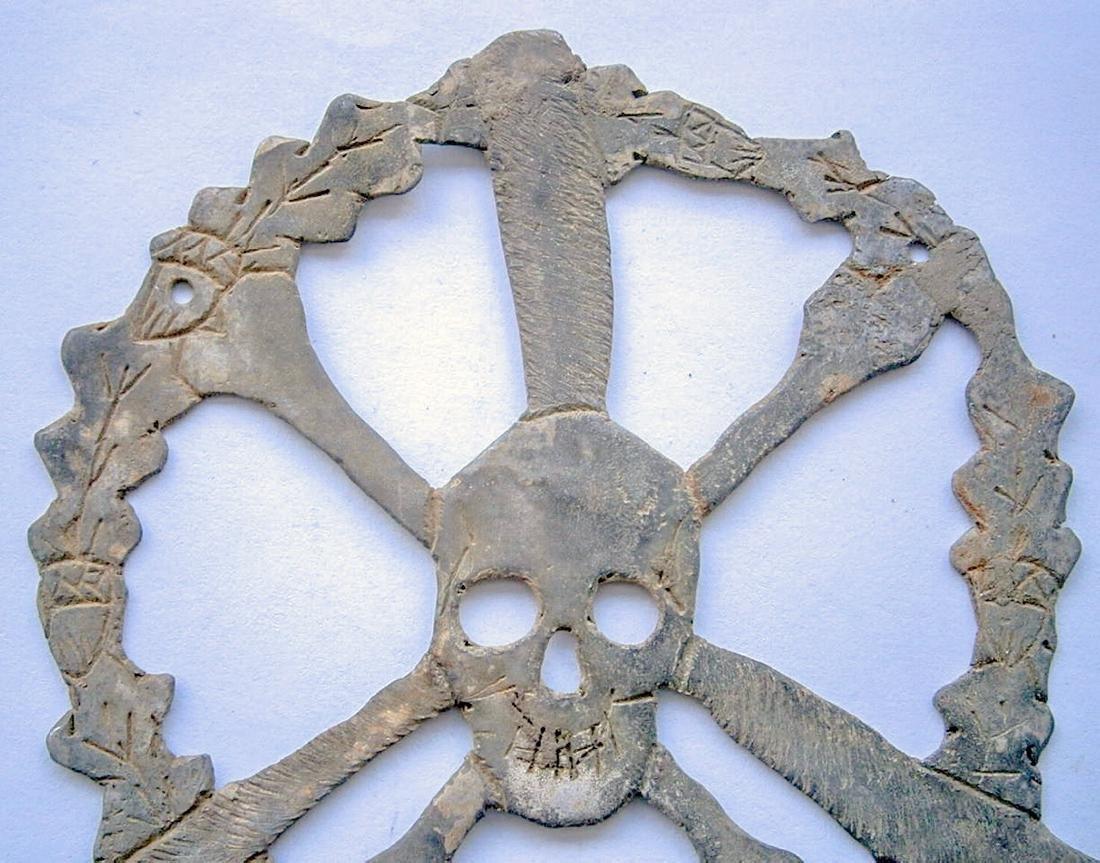German WW2 Skull & Bones f. Helmet M35 or M42 - 3