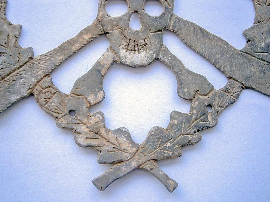 German WW2 Skull & Bones f. Helmet M35 or M42 - 4