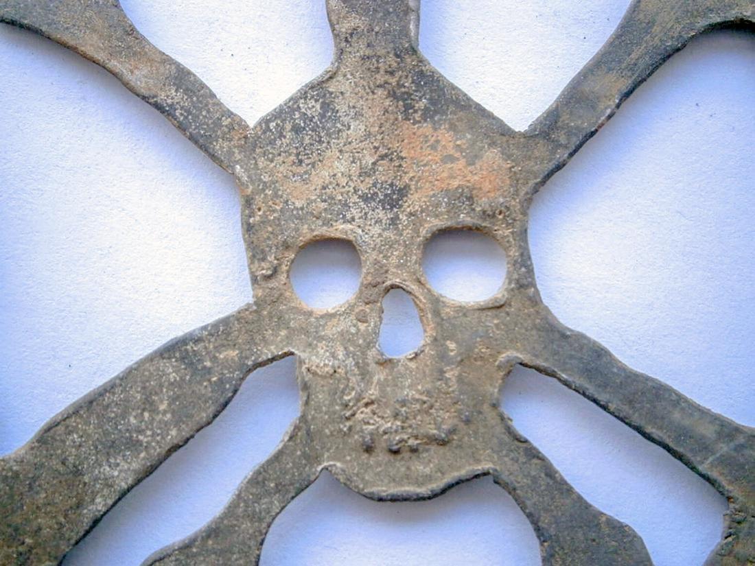 German WW2 Skull & Bones f. Helmet M35 or M42 - 9