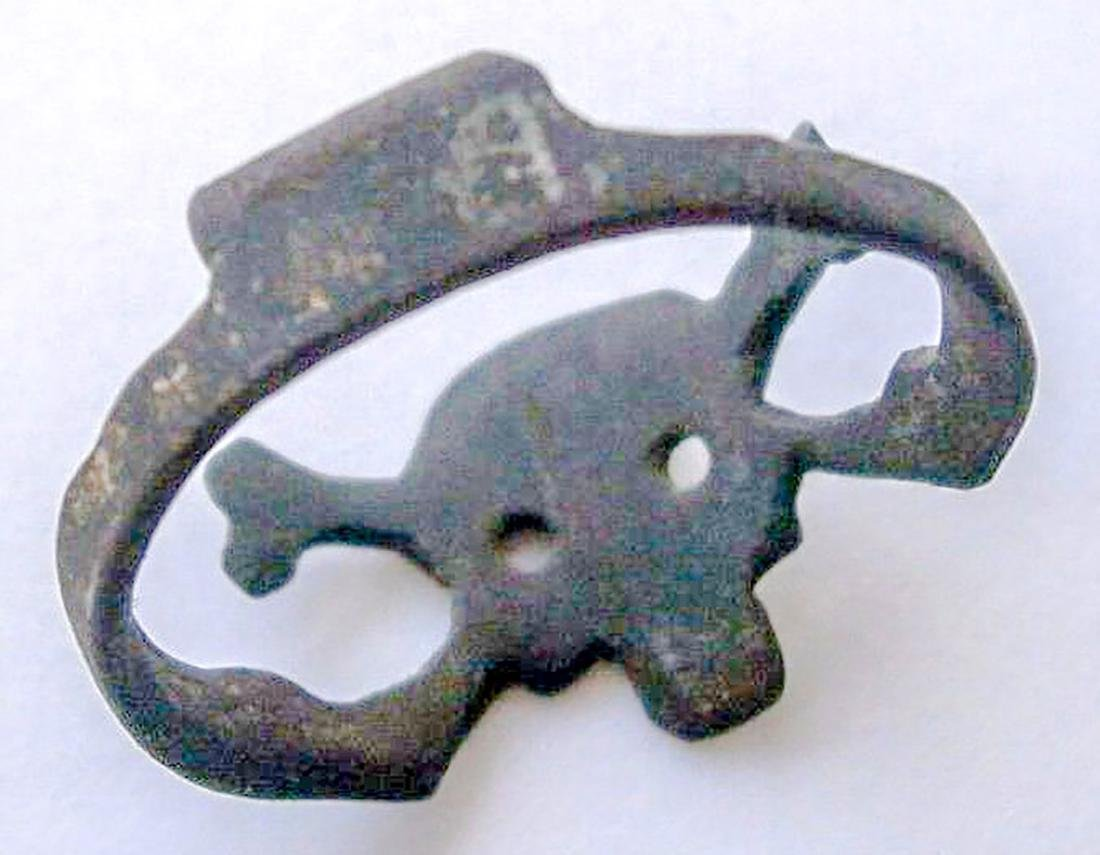 German WW2 Ring w. Skull & Bones, Trench Art - 8