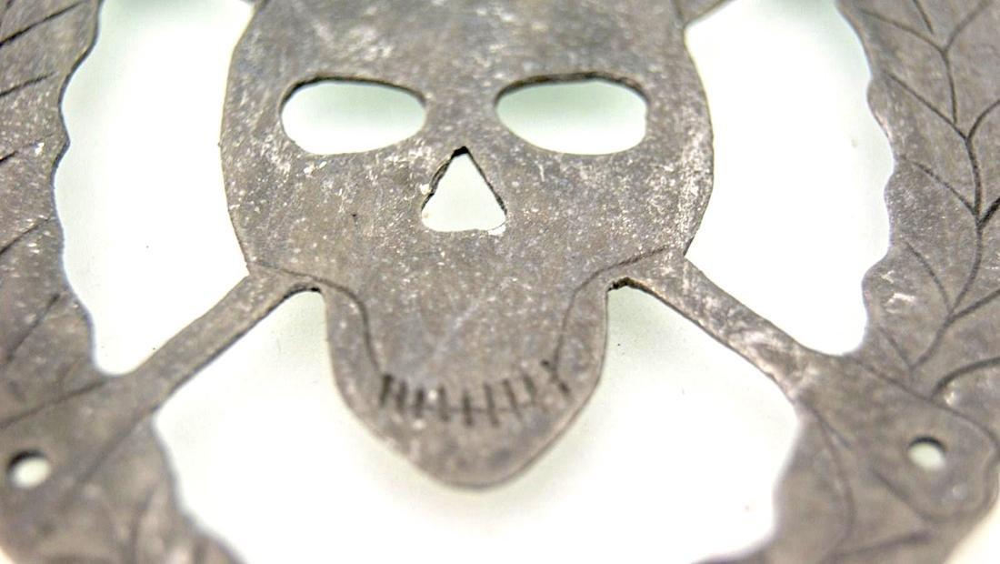 German WW2 SKULL & BONEs in WREATH for Hat HELMET - 7