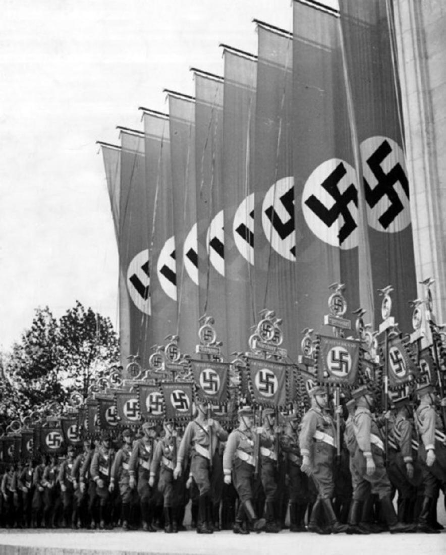 German WW2 Gau Honor Badge East Hannover, 1933 - 8