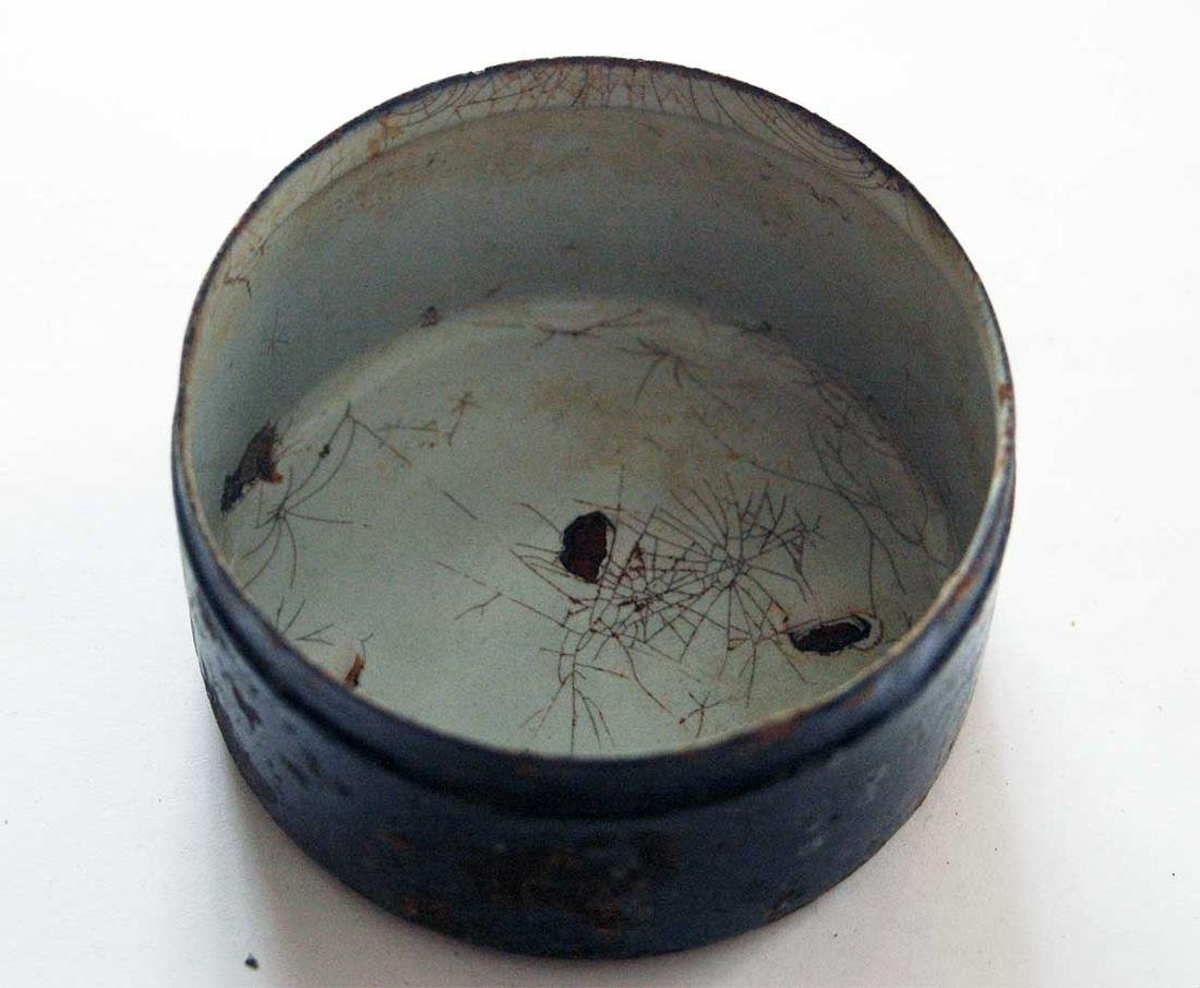 Original German WW2 Enameled Box w. Iron Cross - 6
