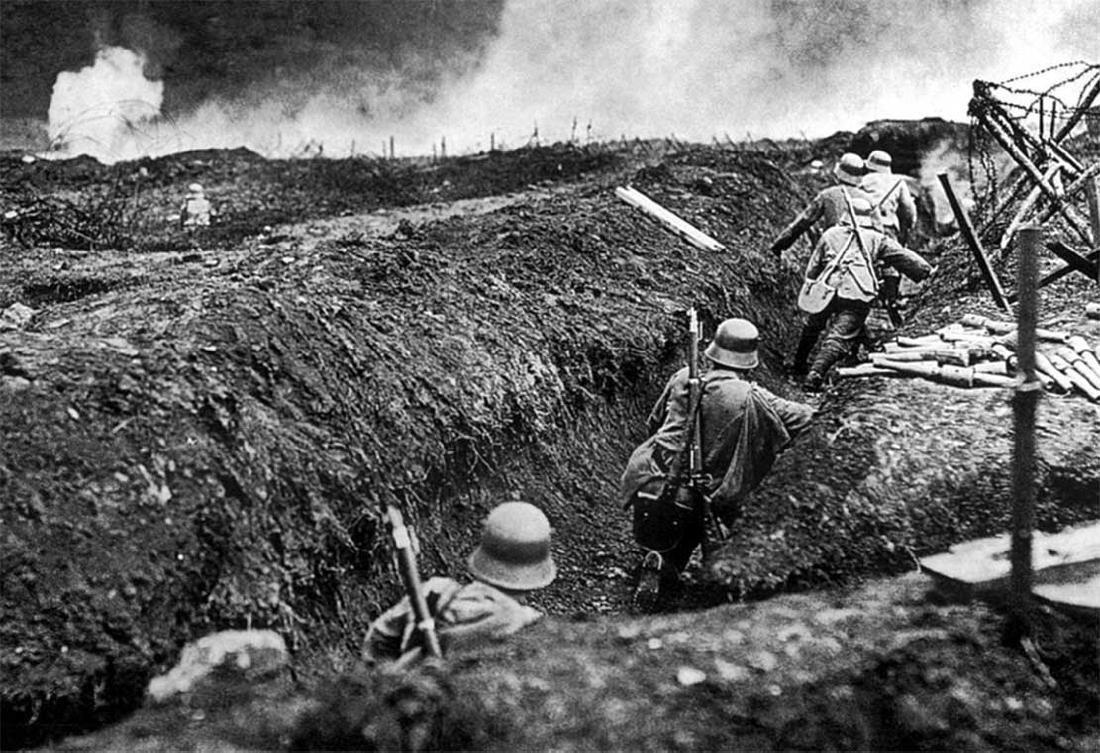 German WW2 Belt Buckle w. Iron Cross, Trench Art - 10
