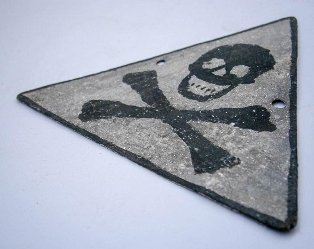 Original German WW2 SIGN w. Skull & Bones - 3