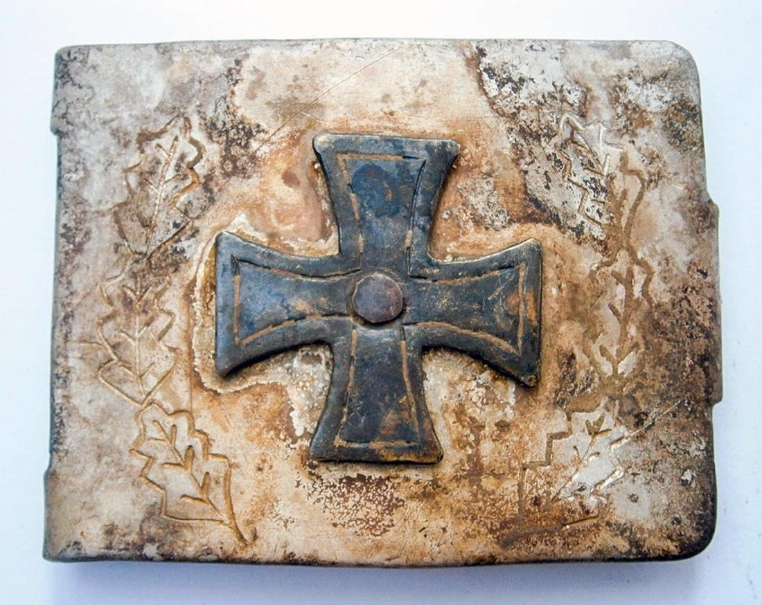 German WW2 Belt Buckle w. Iron Cross & OAK Leaves