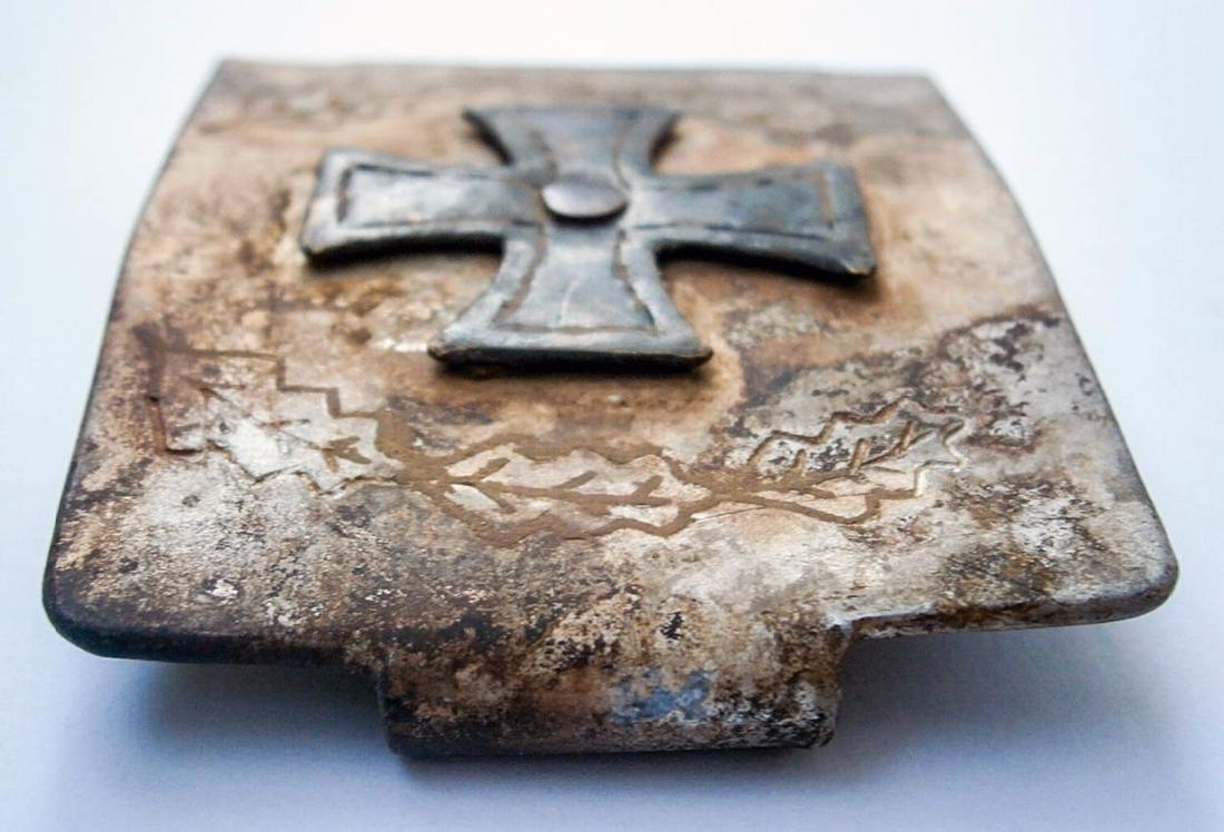 German WW2 Belt Buckle w. Iron Cross & OAK Leaves - 3