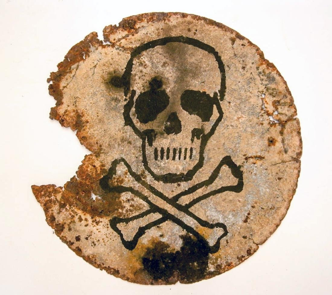 Original German WW2 SIGN Plate w. Skull & Bones