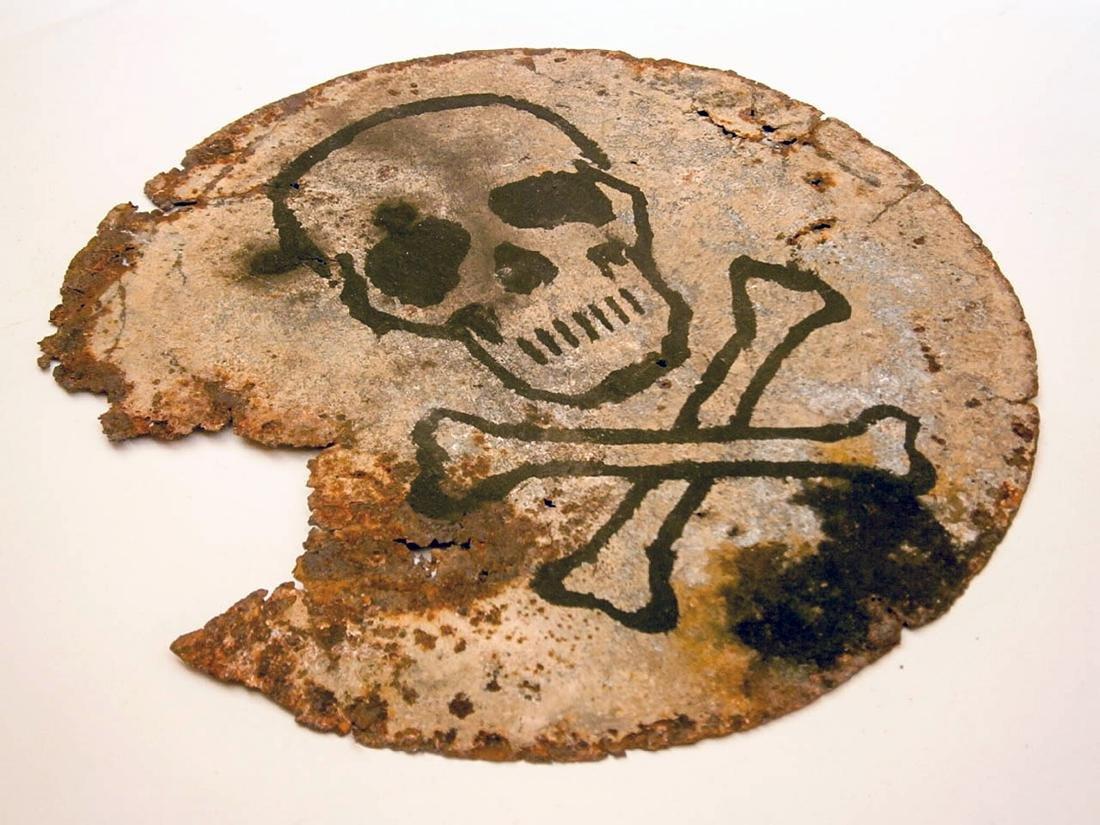Original German WW2 SIGN Plate w. Skull & Bones - 2
