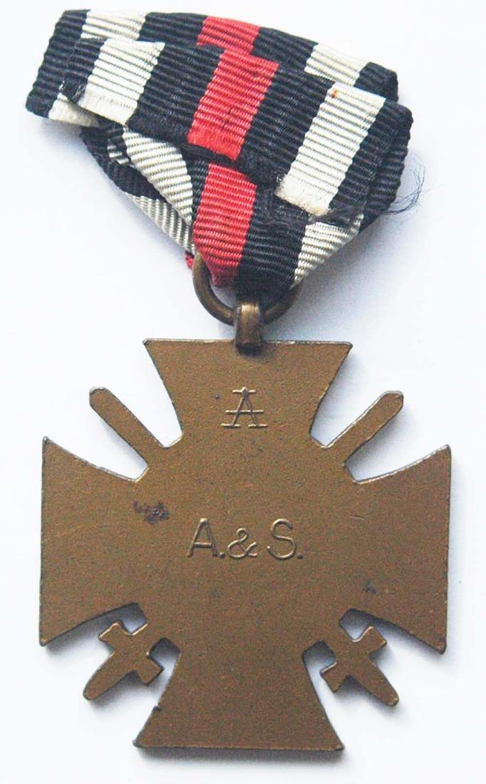 German WW1 WAR MEDAL w. SWORDS, ASSMANN - 5