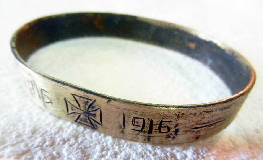 Unusual German WW1 Bracelet w. Iron Cross, 1915-1916 - 2