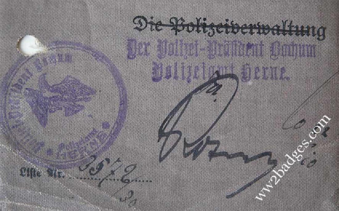 German WW2 DRIVERS BADGE + Driver Licence, 1943 - 9