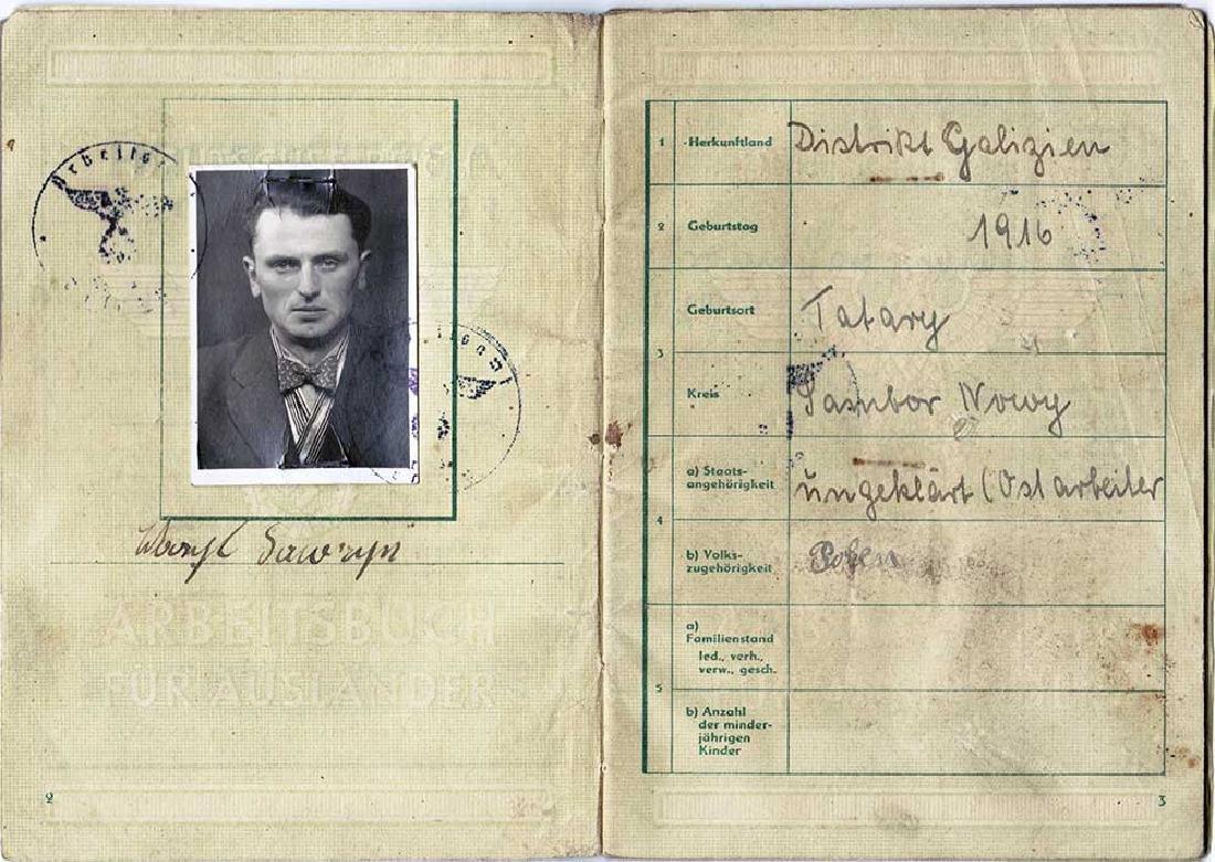 German WW2 Polish Arbeitsbuch w. Strange Notice - 2