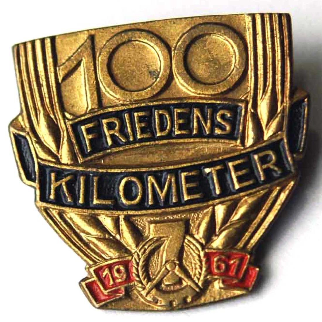 German DDR Badge 100 km FRIEDENS, 1961