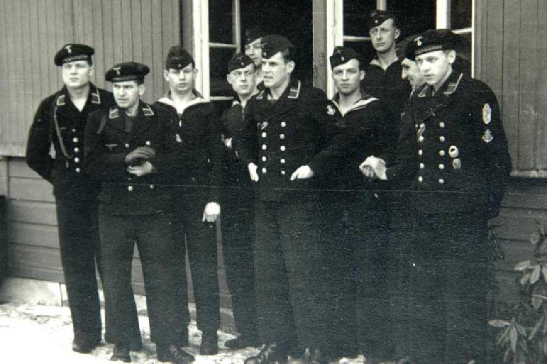 German WW2 Photo of Sailors w. Narvik Shield and Badges - 2