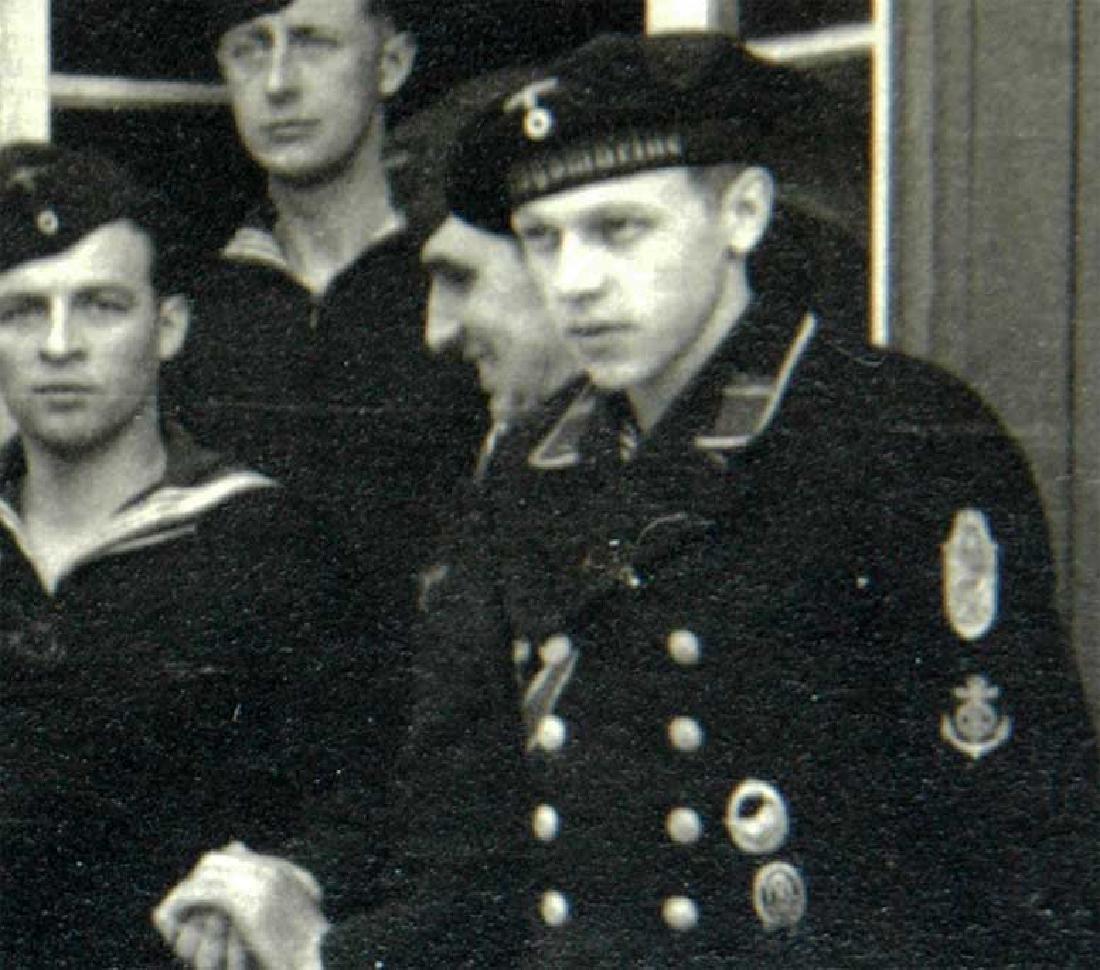 German WW2 Photo of Sailors w. Narvik Shield and Badges - 3