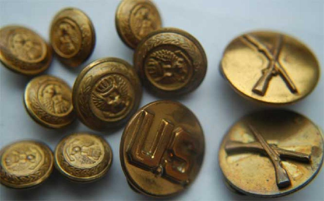 WW2 Military 11 Buttons, Stamped - Dec 09, 2018 | V N
