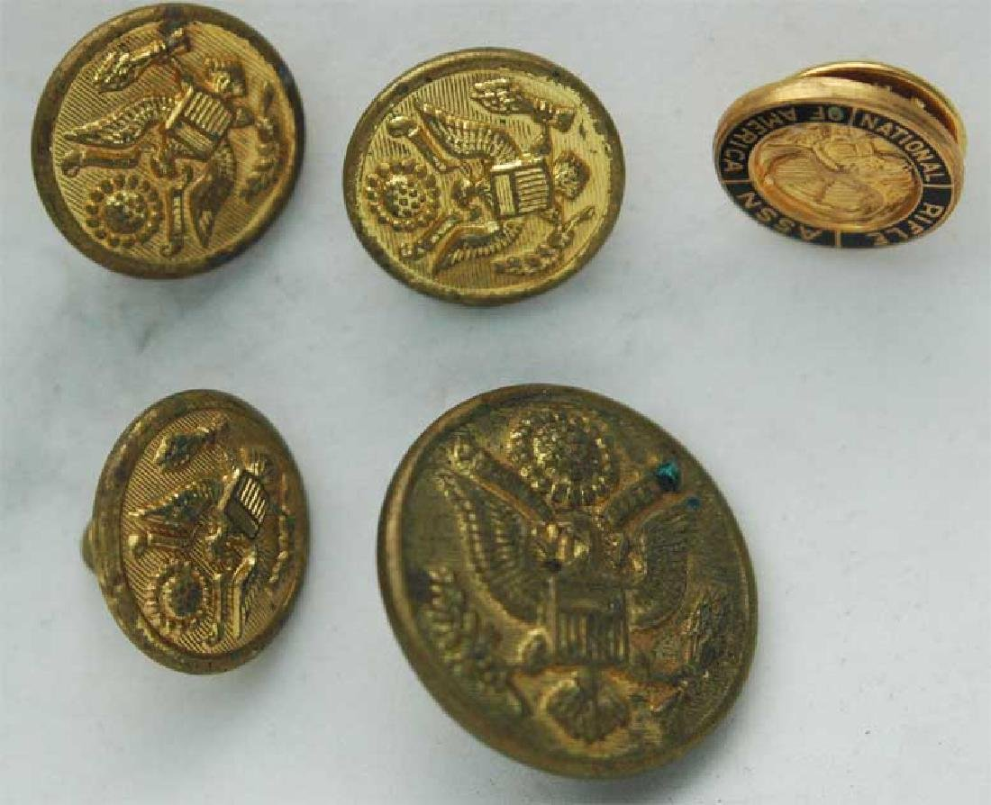 Original WW2 Military 5 Buttons, Stamped - Mar 17, 2019