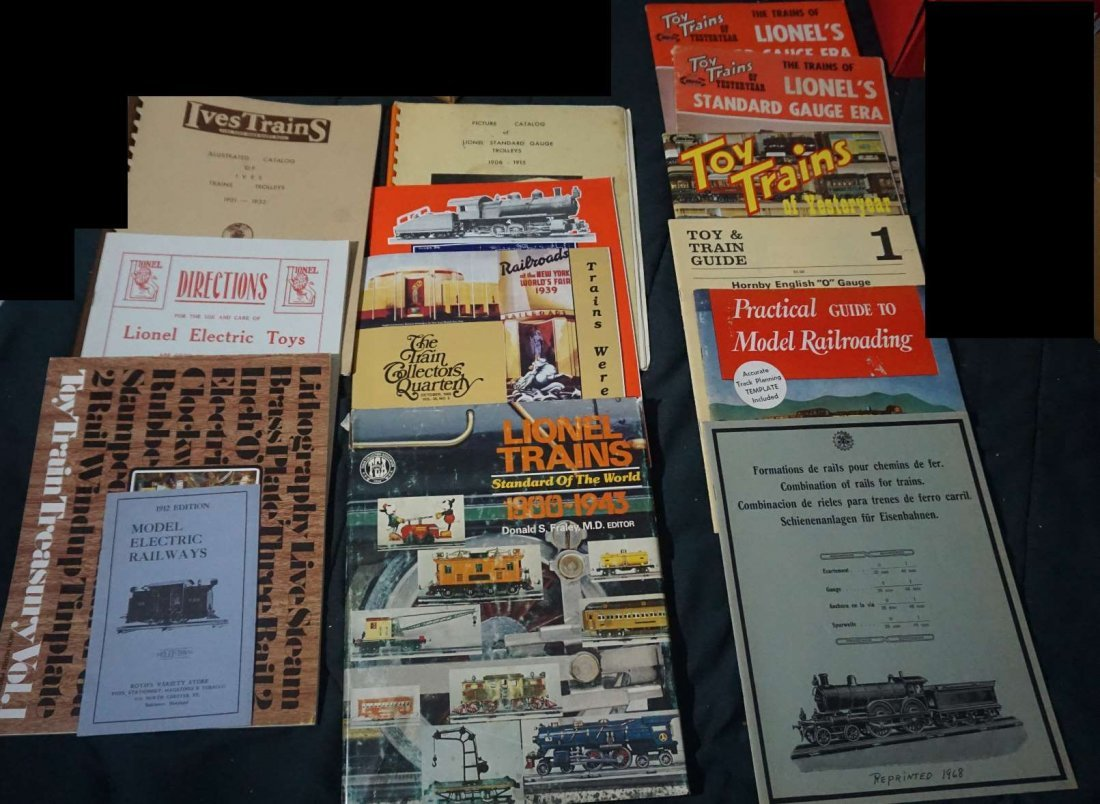 15 pc  train reference library carette lionel trolley