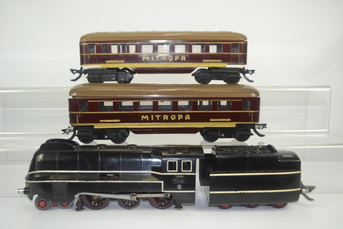 Feucke Bahnen German Bakelite O'gauge Train Set