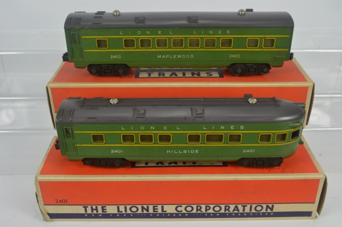 Lionel 2400 and 2401 Passenger Cars-OB