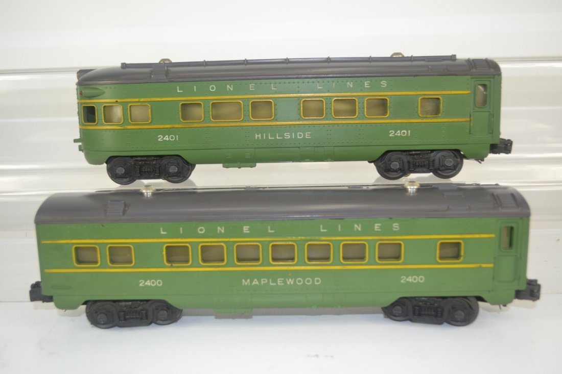 Lionel 2400 and 2401 Passenger Cars-OB - 4