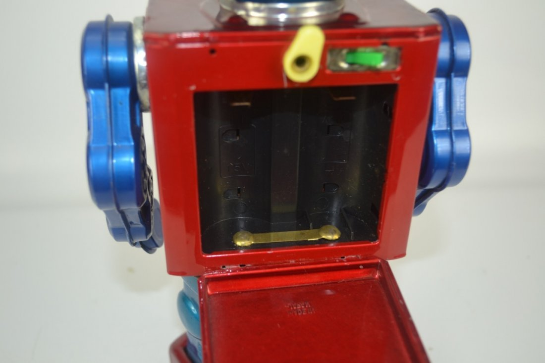 Japanese Tin Toy Robot - 3