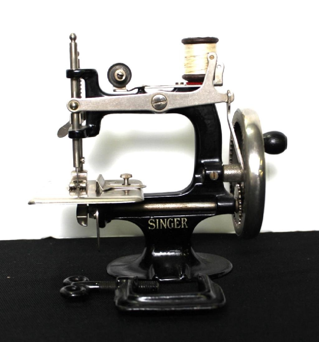Toy Singer Sewing Machine - 1914 - 6