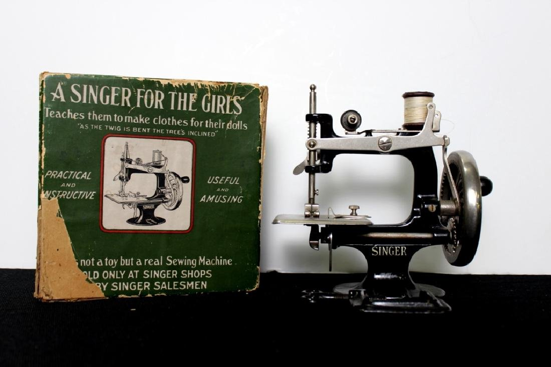 Toy Singer Sewing Machine - 1914 - 7