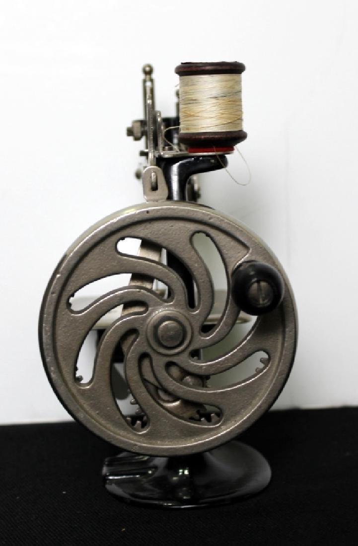 Toy Singer Sewing Machine - 1914 - 8