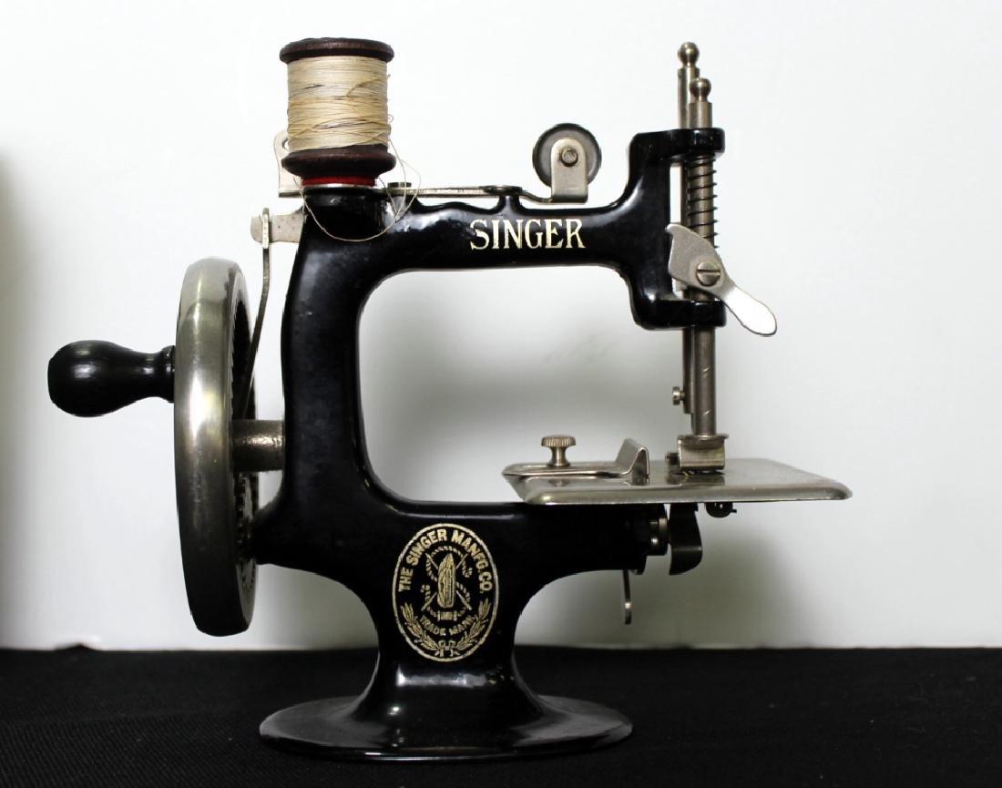 Toy Singer Sewing Machine - 1914 - 9