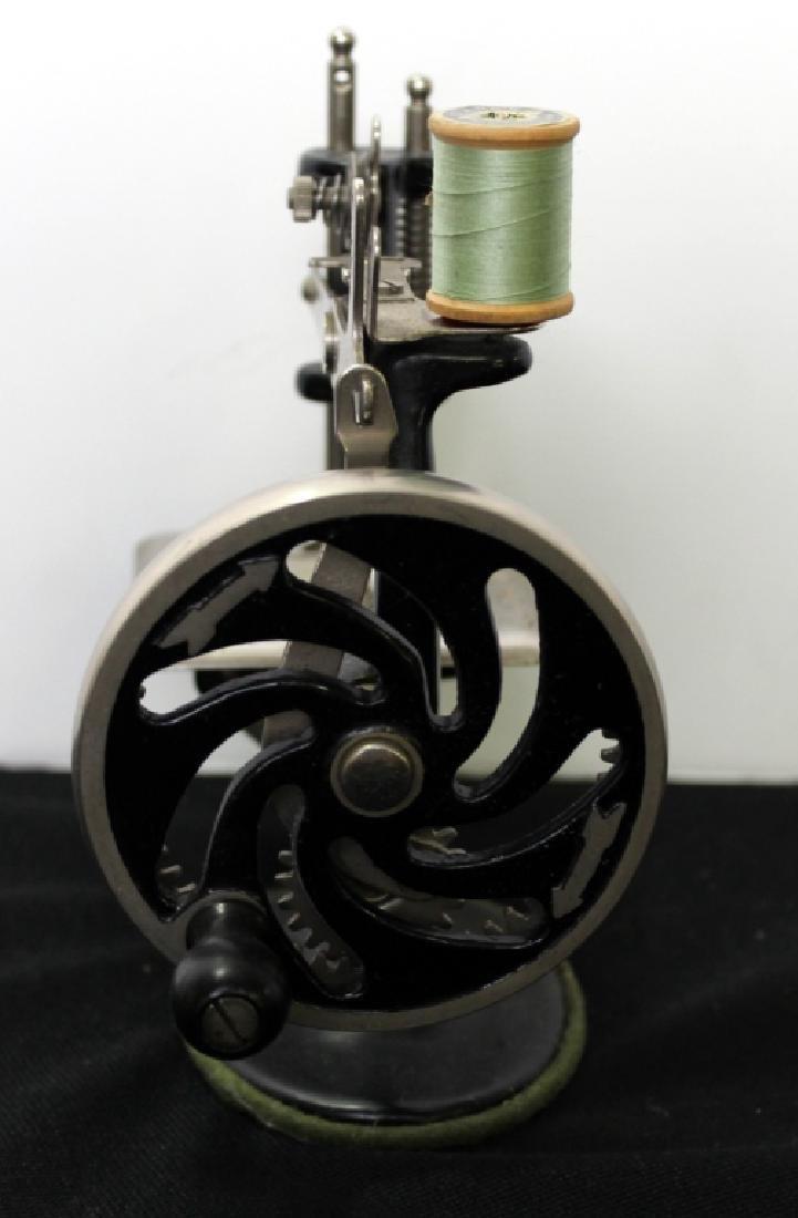 Toy Singer Sewing Machine - 1910 - 4