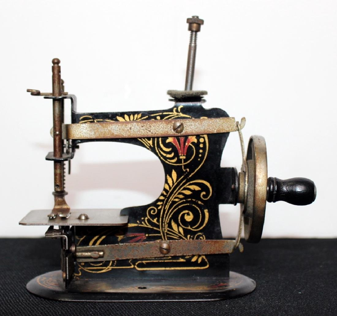 Casige Toy Sewing Machine - 2