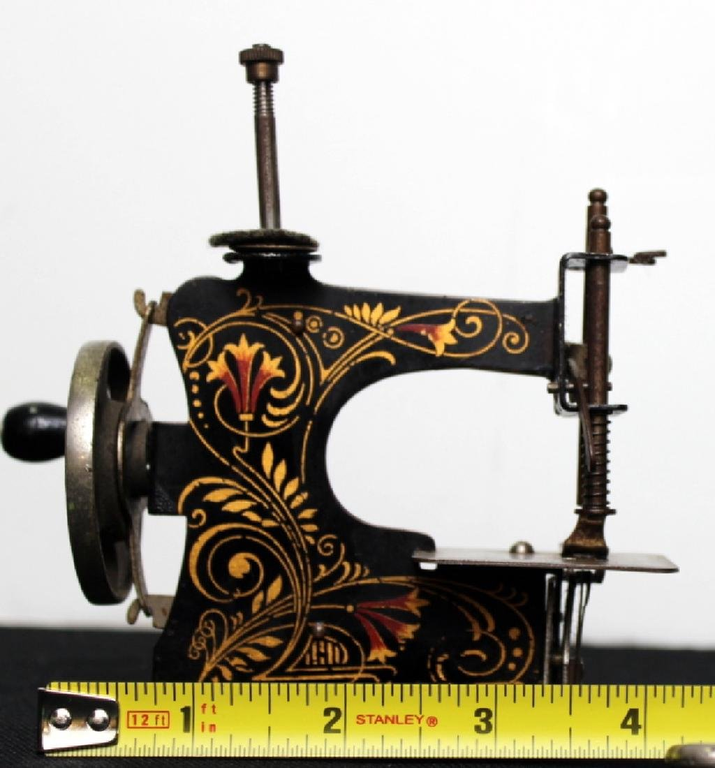 Casige Toy Sewing Machine - 5