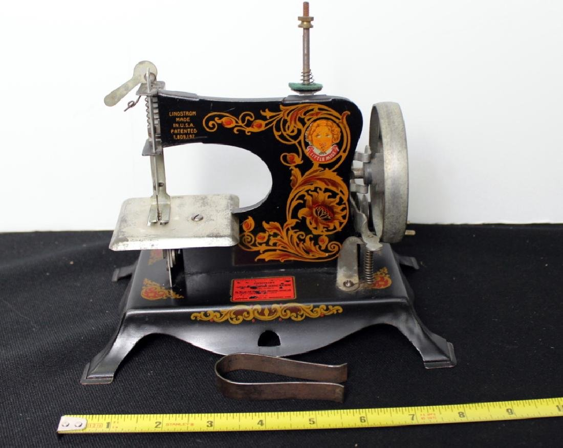 """Toy Sewing Machine - """"Little Miss"""" - 10"""