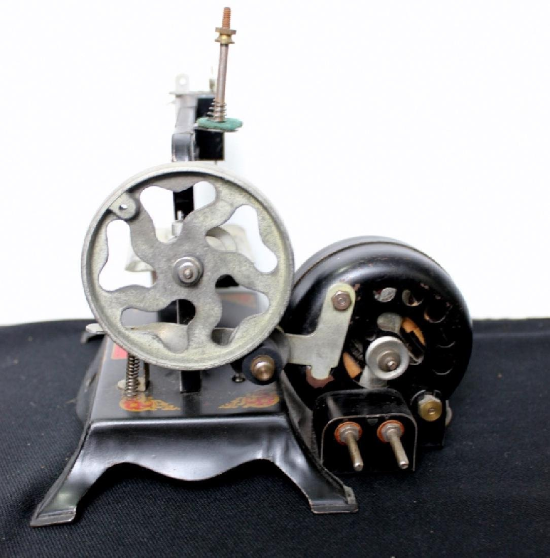 """Toy Sewing Machine - """"Little Miss"""" - 5"""