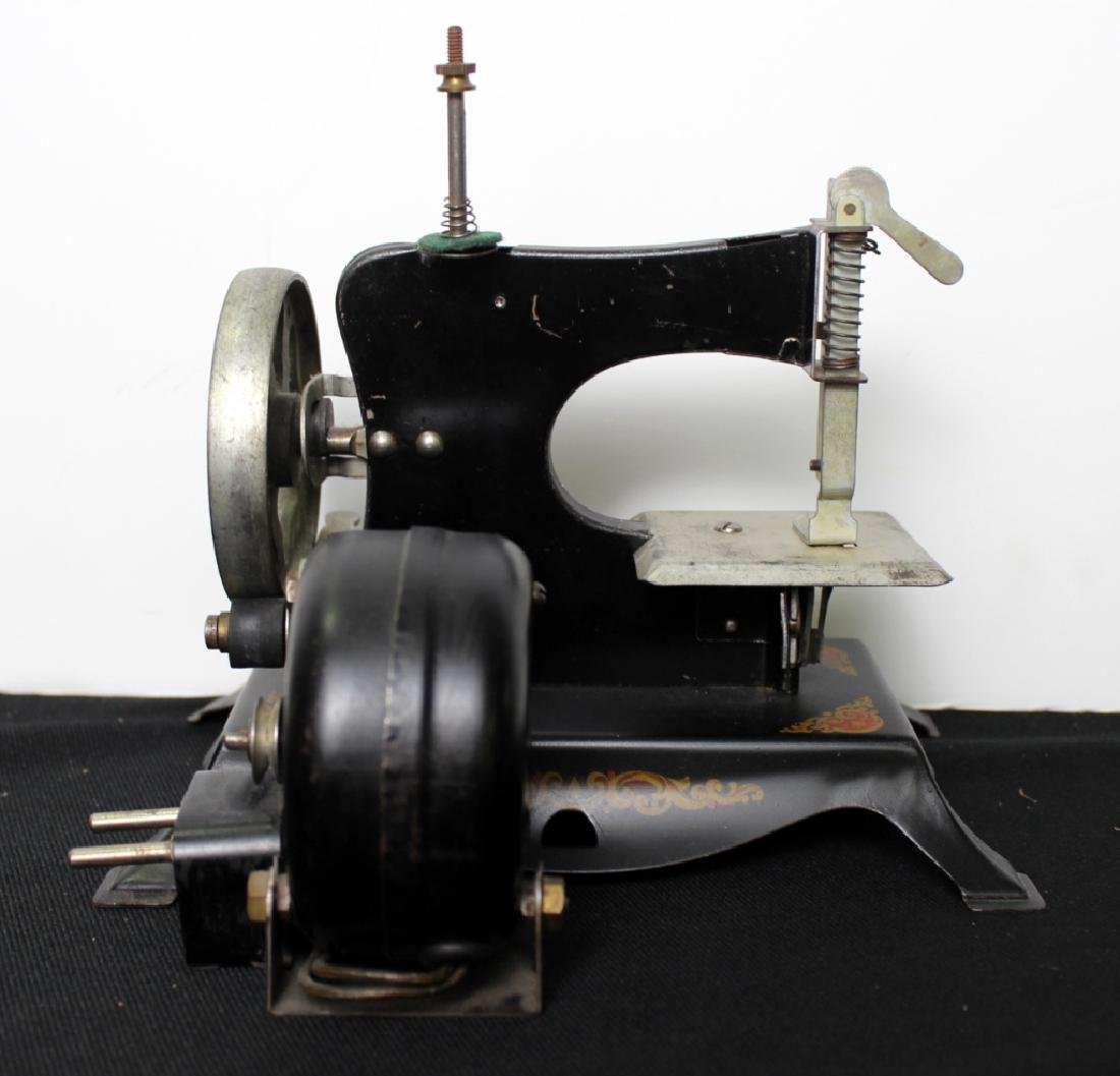 """Toy Sewing Machine - """"Little Miss"""" - 6"""