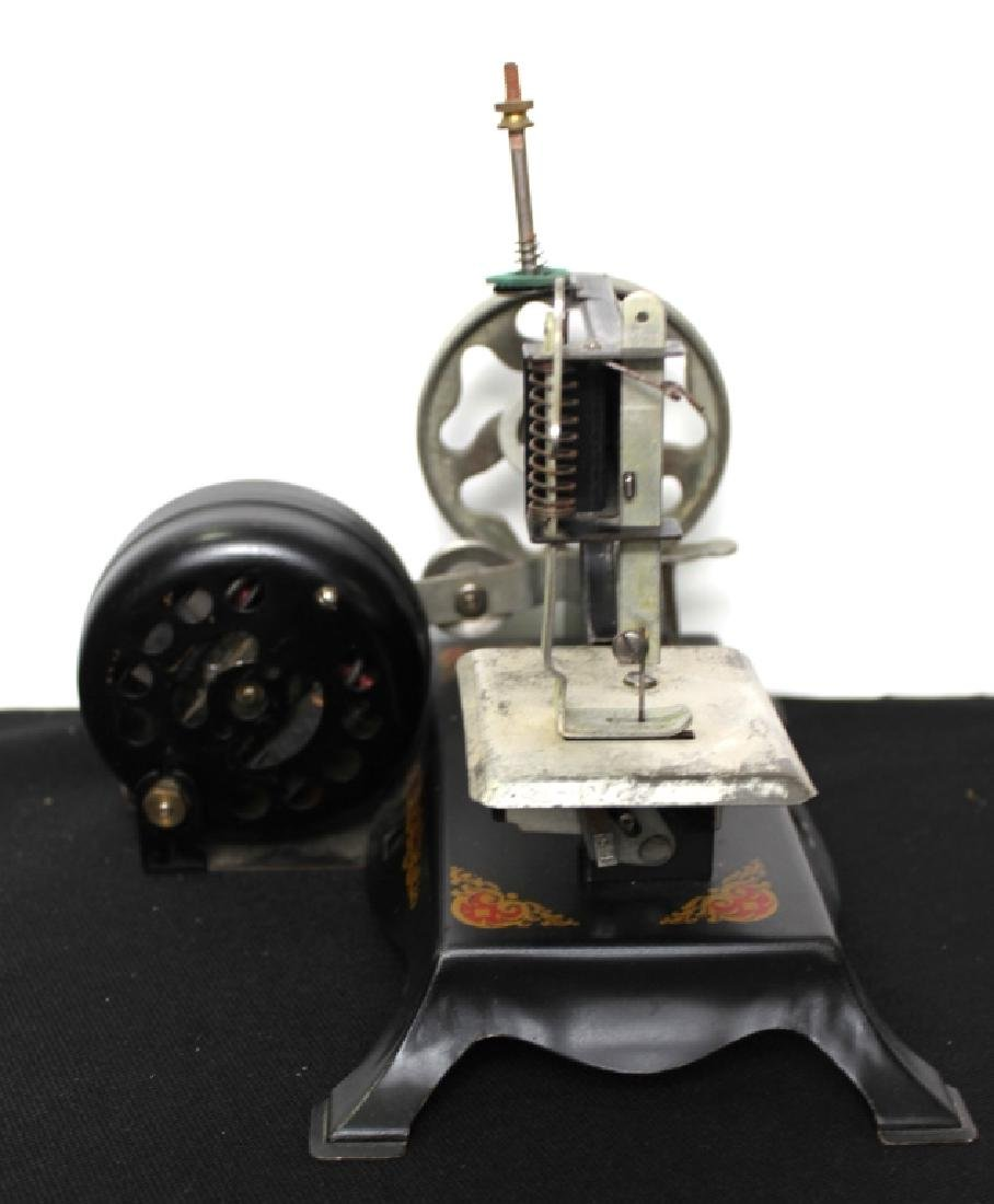 """Toy Sewing Machine - """"Little Miss"""" - 7"""