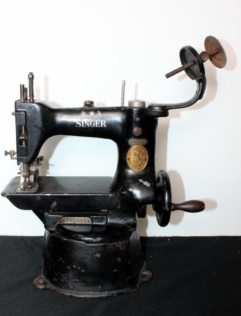 Commercial Singer Sewing Machine (late 1800's) - 4