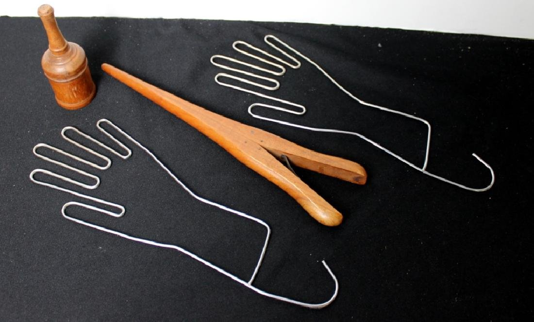 Glove Stretcher, Wood finger stretcher, Powder