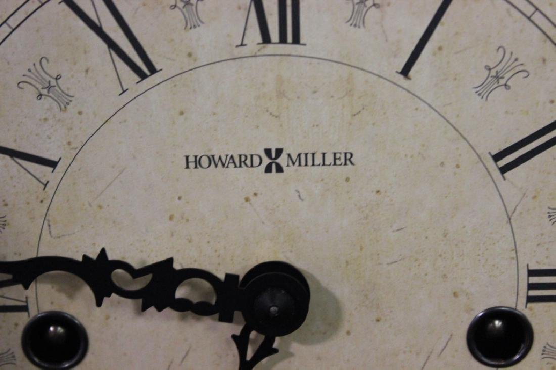 Howard Miller Mantle Clock w Key - 5