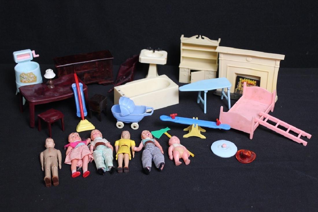 Lot of Vintage Plastic Dollhouse Items