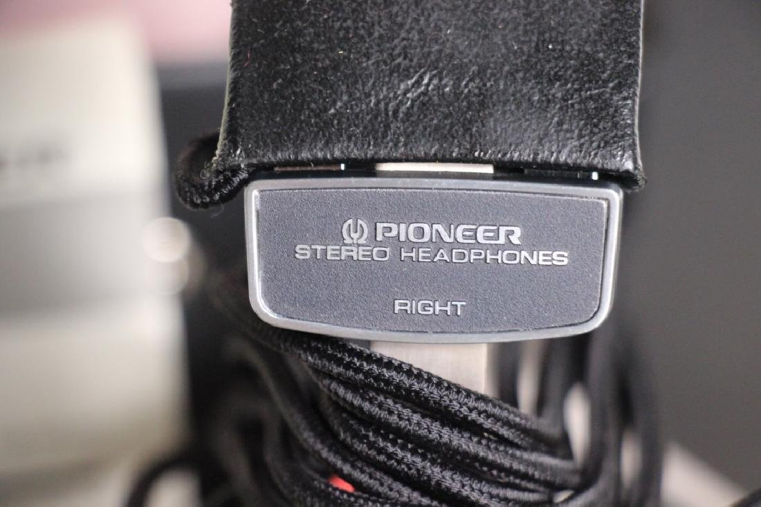 Pioneer High-Polymer Stereo Head Phones SE-700 - 3