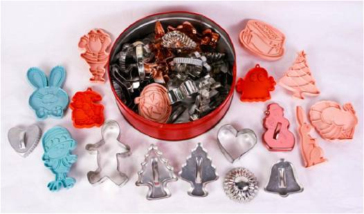 Collection of Vintage Cookie Cutters 62