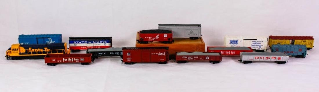 HO Scale Rolling Stock Trains Lot of 14
